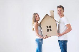 Взять квартиру в ипотеку и сдавать ее